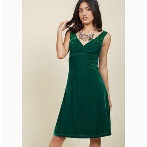 Mod Cloth Green velvet Dress | plus Size 2X